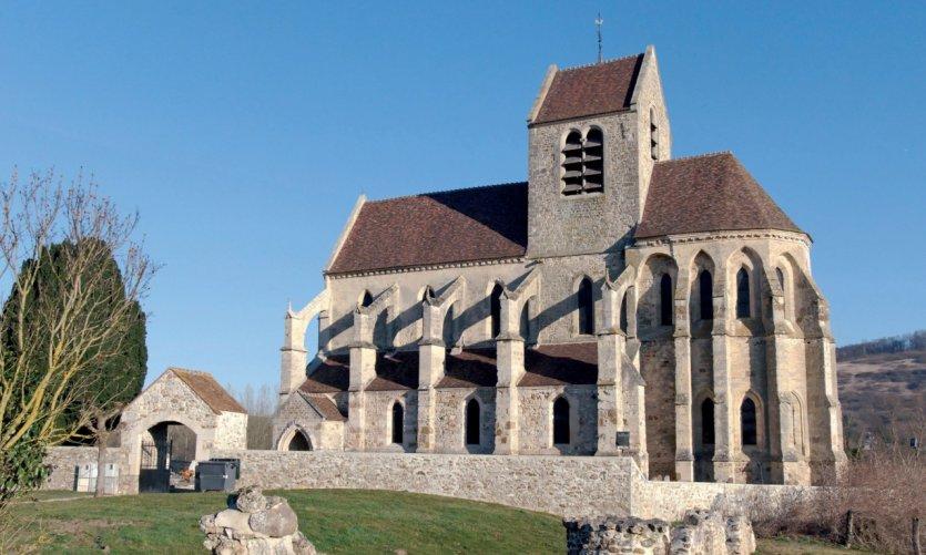 L'église gothique de Mézy-Moulins.