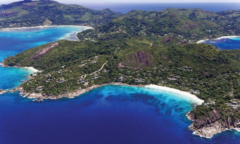 Survol des Seychelles.