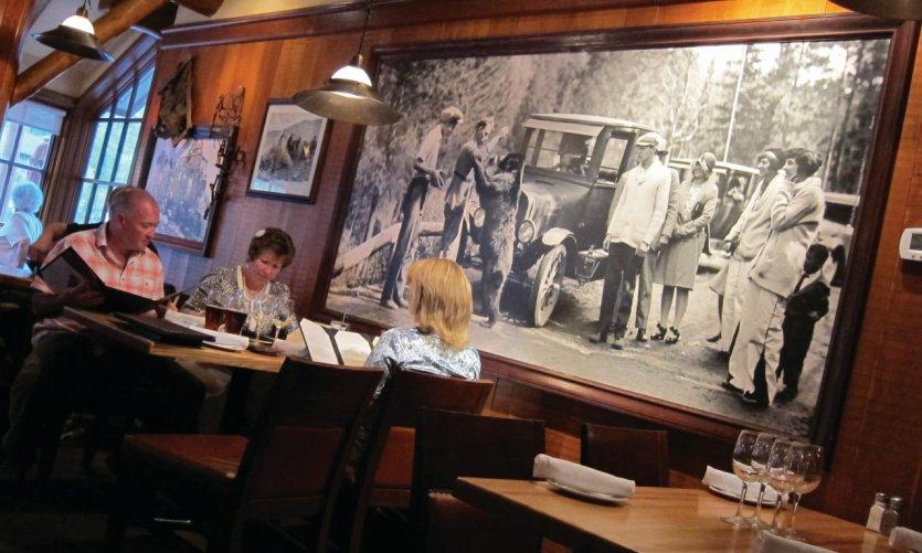 Restaurant du Caribou Lodge.