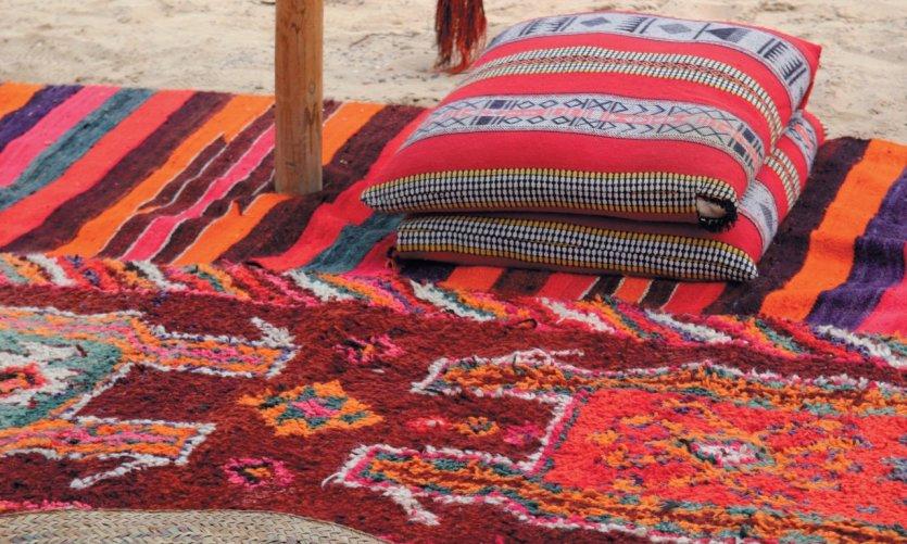 Coussins et tapis bédouins