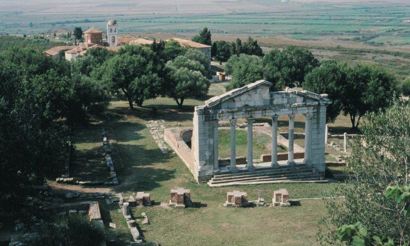 Le Bouleutêrion (monument des Agonothètes).