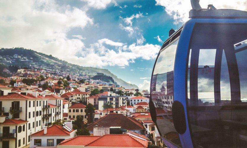 Vue aérienne de Funchal depuis le téléphérique.