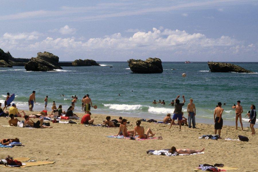Sur la grande plage de Biarritz (© PHOVOIR))