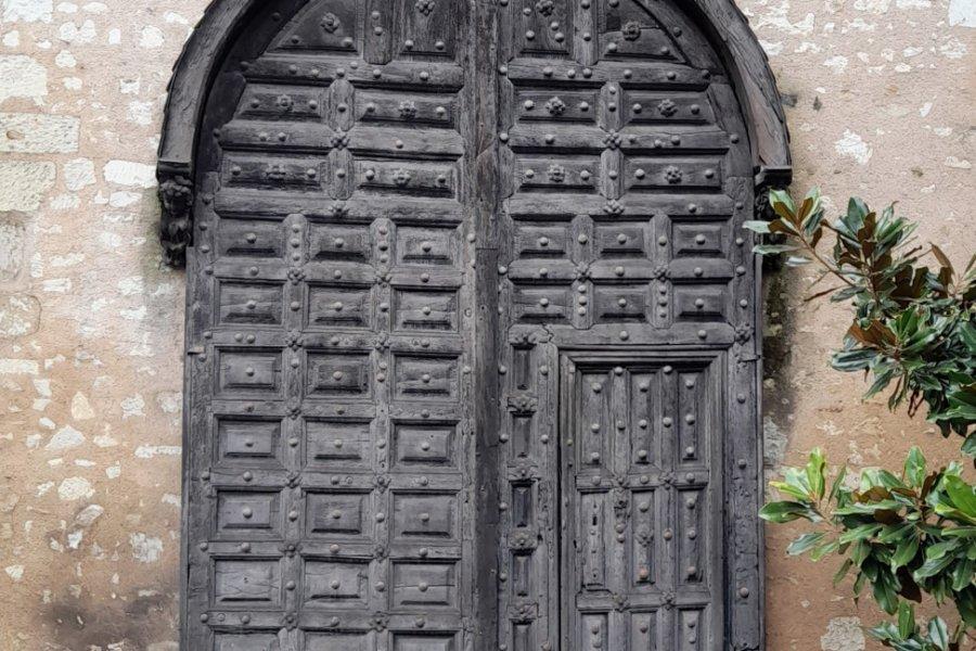 Ancienne porte du XVIIème siècle. (© Alexandre BLOND))