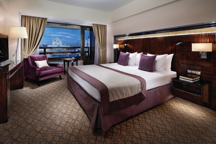 (© CROWNE PLAZA MOSCOW WORLD TRADE CENTRE))