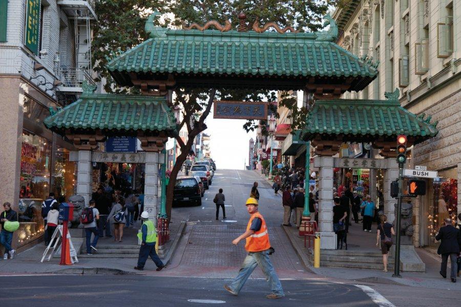 Dragon Gate, Chinatown. (© David GUERSAN - Author's Image))