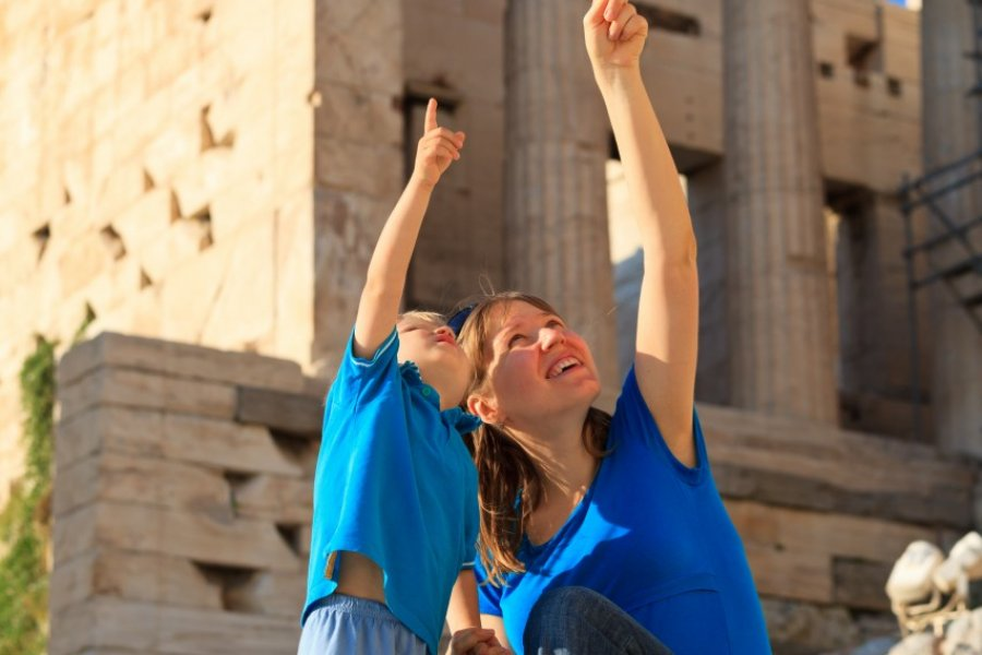 Visite de l'Acropole. (© Nadezhda1906 / Shutterstock.com))