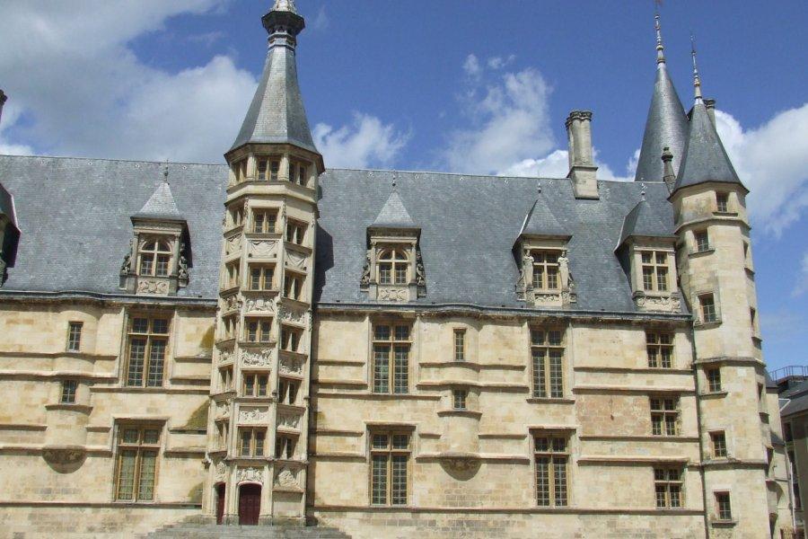 Le Palais Ducal, Nevers. (© Laëtitia STEIMETZ))