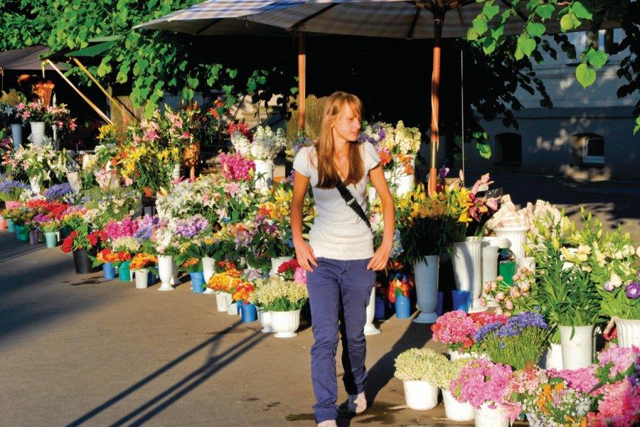Le marché aux fleurs Brivibas Boulevard. (© Serge OLIVIER - Author's Image))