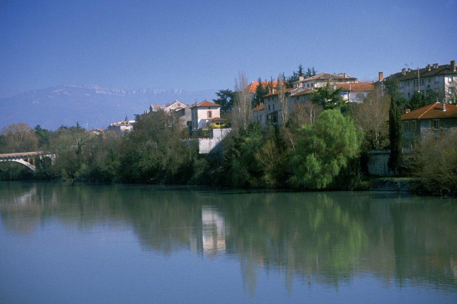 Vue de Bourg-de-Péage et de l'Isère - près de Romans-sur-Isère (© PHOVOIR))