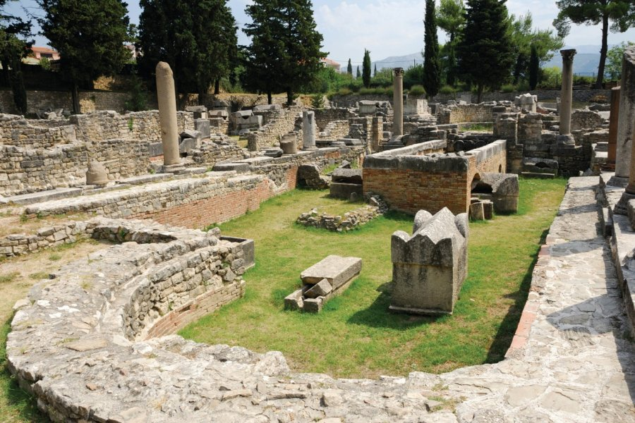 Les vestiges de l'ancienne ville de Salona. (© Maxlevoyou))