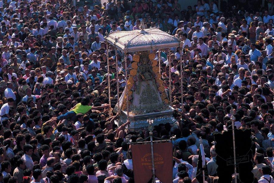 Le pèlerinage d'El Rocío réunit des milliers de personnes. (© Author's Image))