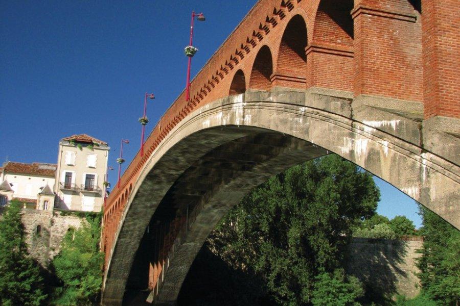 Pont de Villeneuve-sur-Lot (© Jimjag - Fotolia))