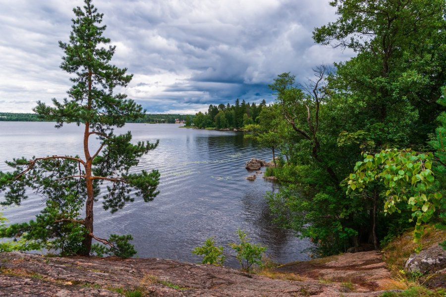 Parc Mon Repos à Vyborg. (© Zviagin Aleksei - Shutterstock.com))