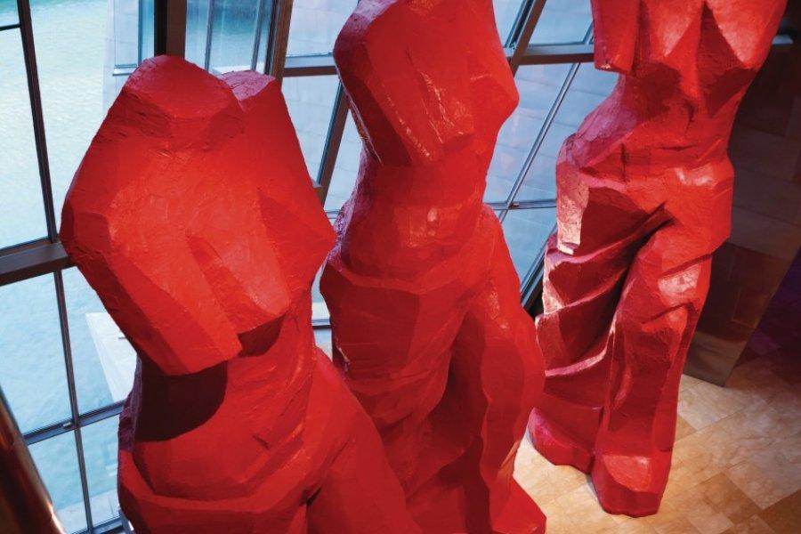 Musée Guggenheim, Trois Vénus espagnoles rouges, une oeuvre de Jim Dine. (© Philippe GUERSAN - Author's Image))