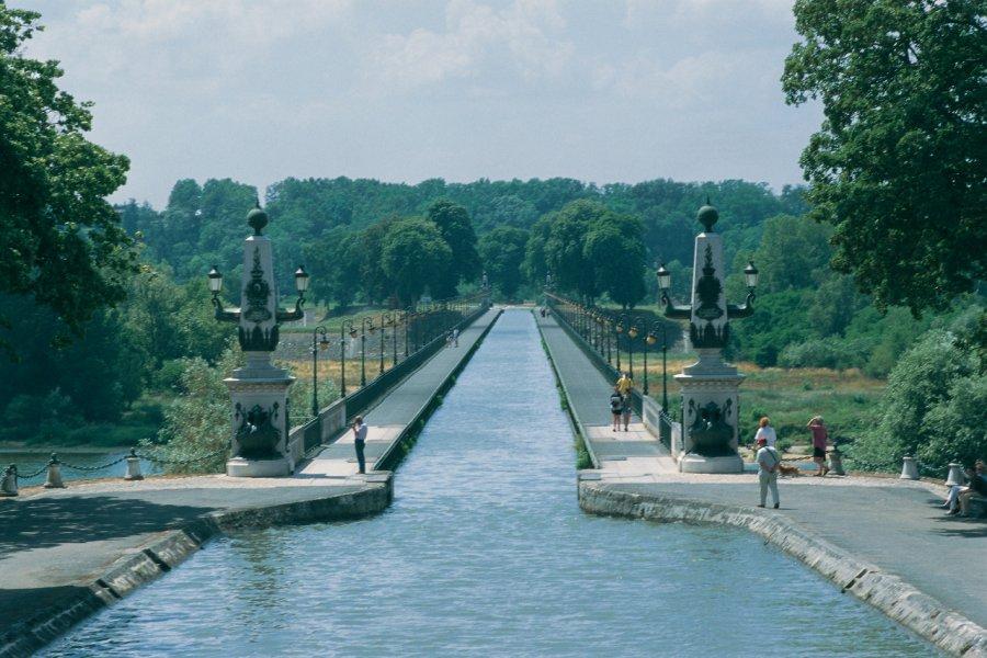 Pont-canal de Briare (© MARC JAUNEAUD - ICONOTEC))