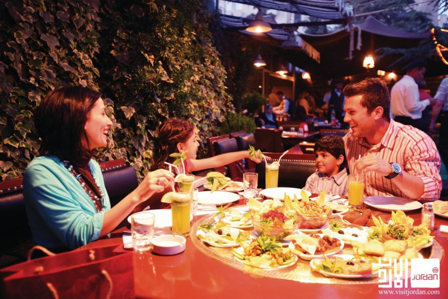 Restaurant Tawaheen Al-Hawa. (© Visit Jordan))