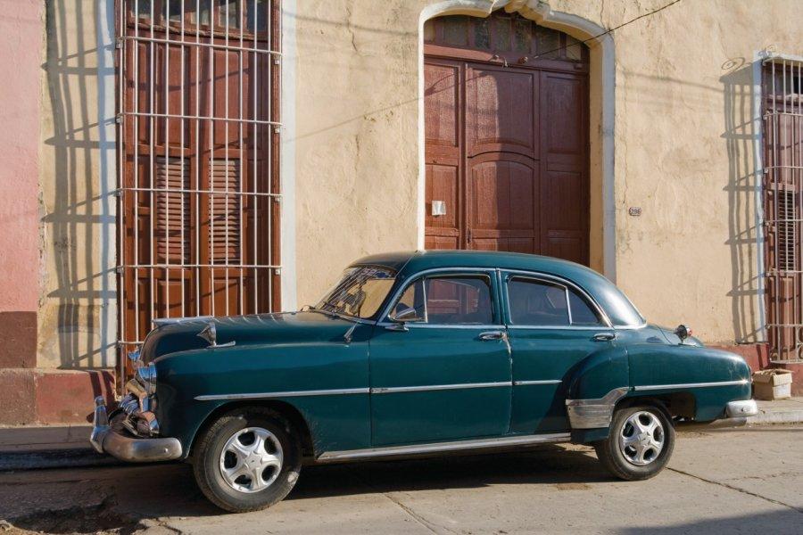 Voiture ancienne dans les rues de Trinidad. (© Irène ALASTRUEY - Author's Image))