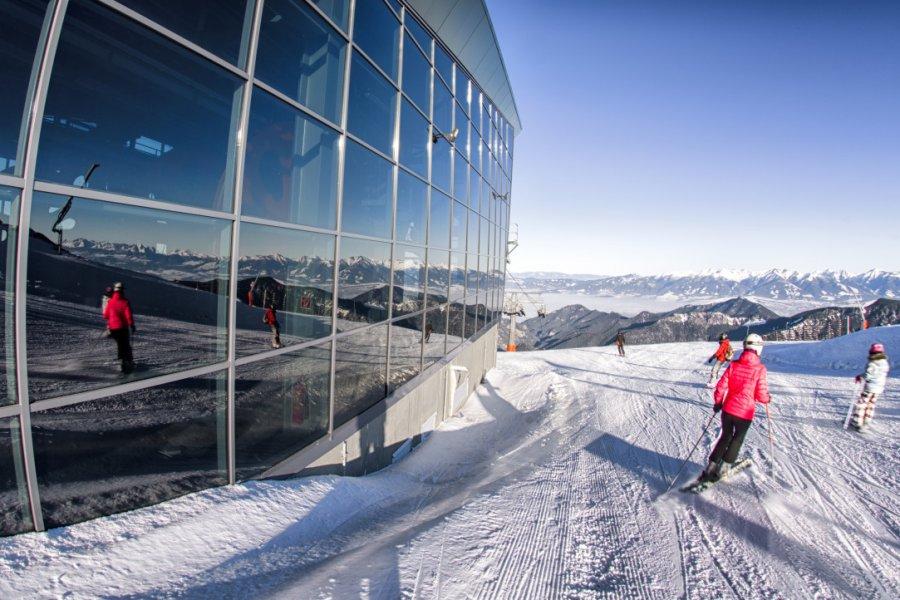 Skieurs sur la colline de Chopok (© Jaroslav Moravcik - Shutterstock.com))