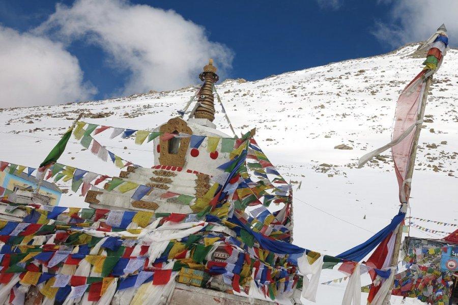 Stupa au sommet du Chang La Pass. (© Grégory ANDRE))