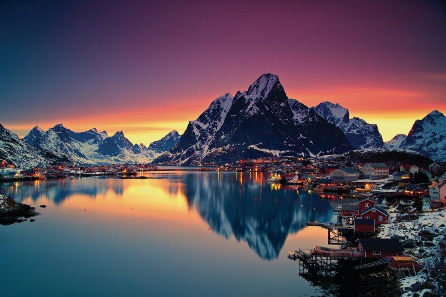 Lumières sur Moskenes, Lofoten. (© Christian Bothner, Nordnorge))