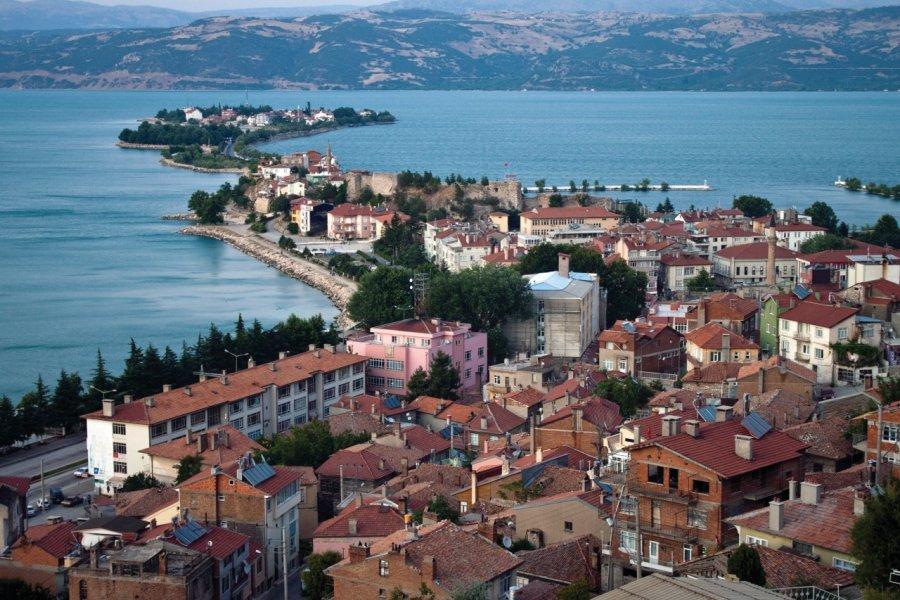 Vue aérienne de la ville d'Eğirdir. (© Mathess - iStockphoto))