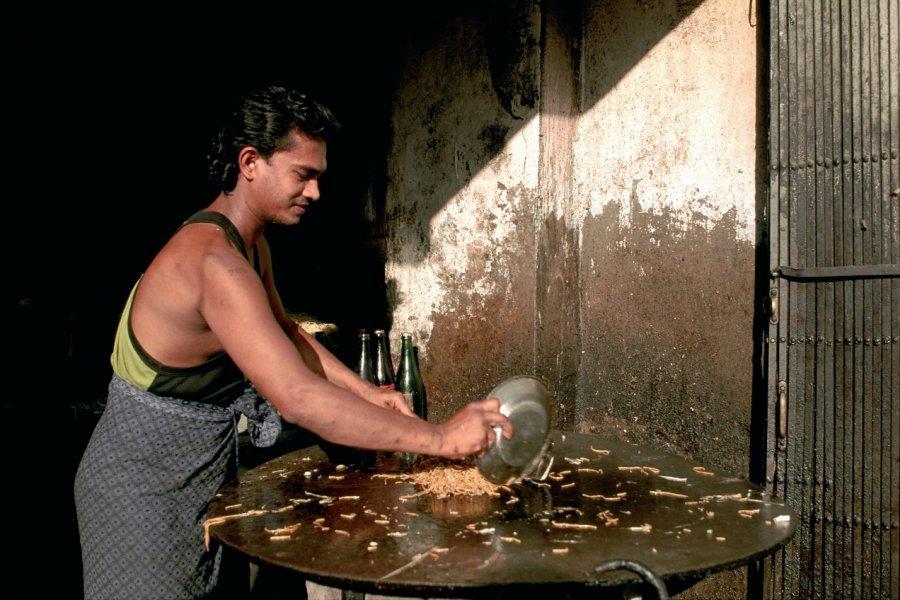 Cuisinier au travail. (© Author's Image))