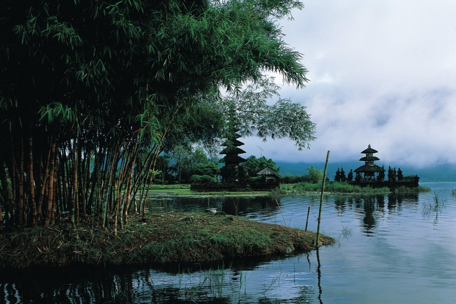 Pura Ulun Danu Bratan, temple du lac Bratan. (© Yukiko Yamanote - Iconotec))