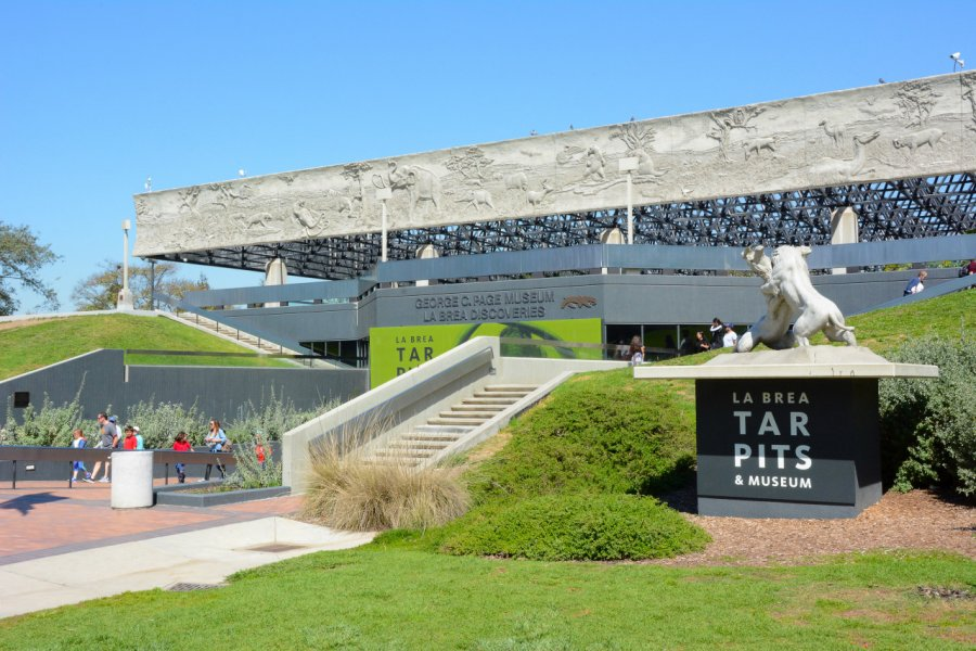 LA Brea Tar Pits & Museum. (© LunaseeStudios - Shutterstock.com))