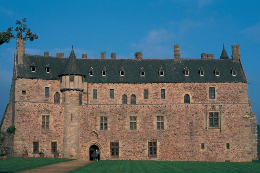 Château de la Roche-Jagu. (© PIERRE DELAGUÉRARD - ICONOTEC))