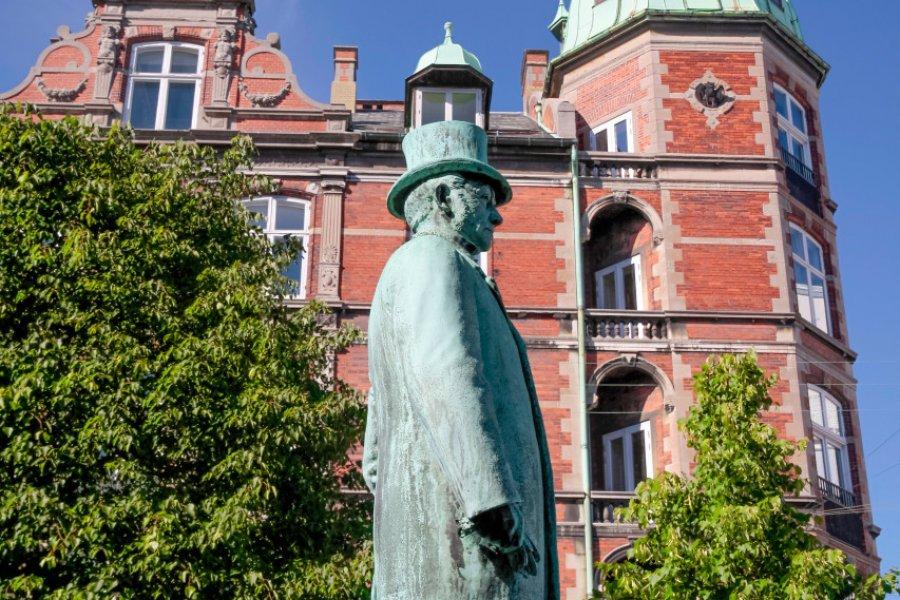 Statue Hans Christian Andersen. (© cmfotoworks - Adobe Stock))