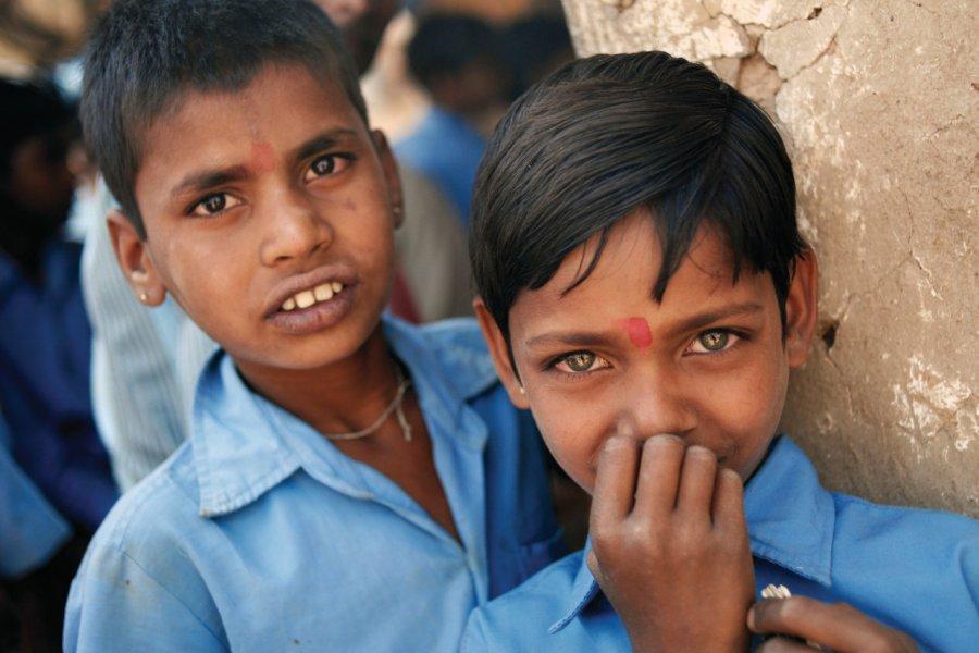 Portraits d'enfants à Som. (© Nicolas HONOREZ))