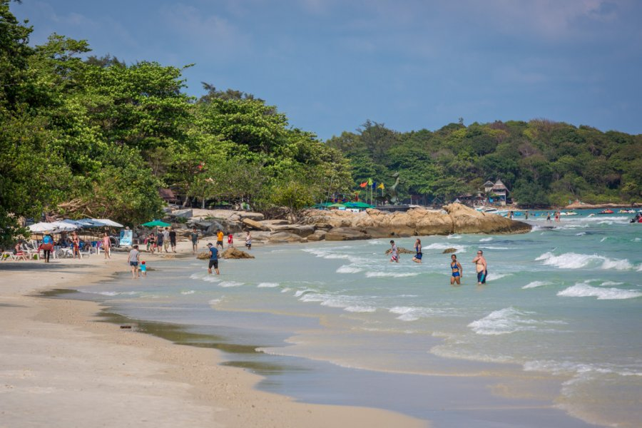 La plage d'Ao Phai à Koh Samet. (© LMspencer - Shutterstock.com))