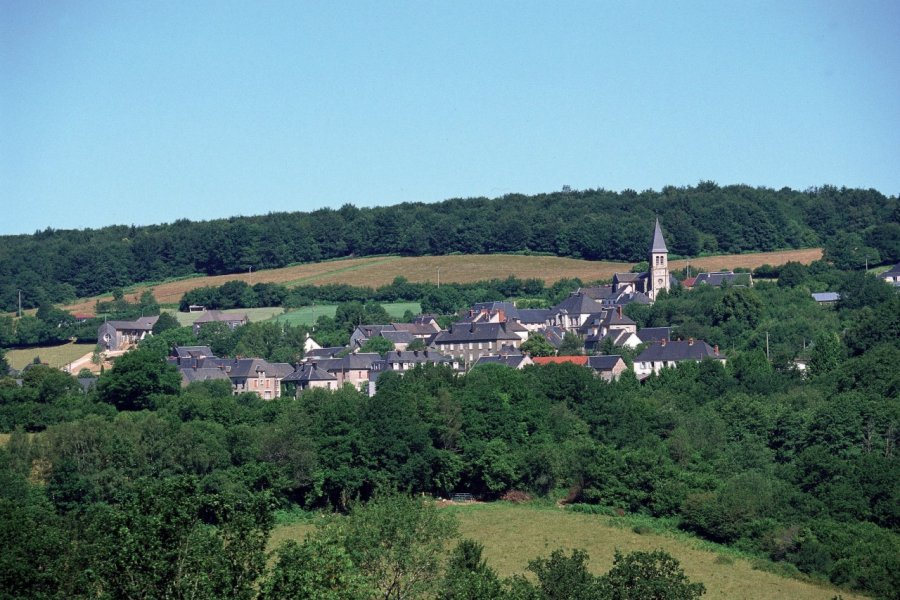 Vue générale de Montsauche-les-Settons (© PHOVOIR))