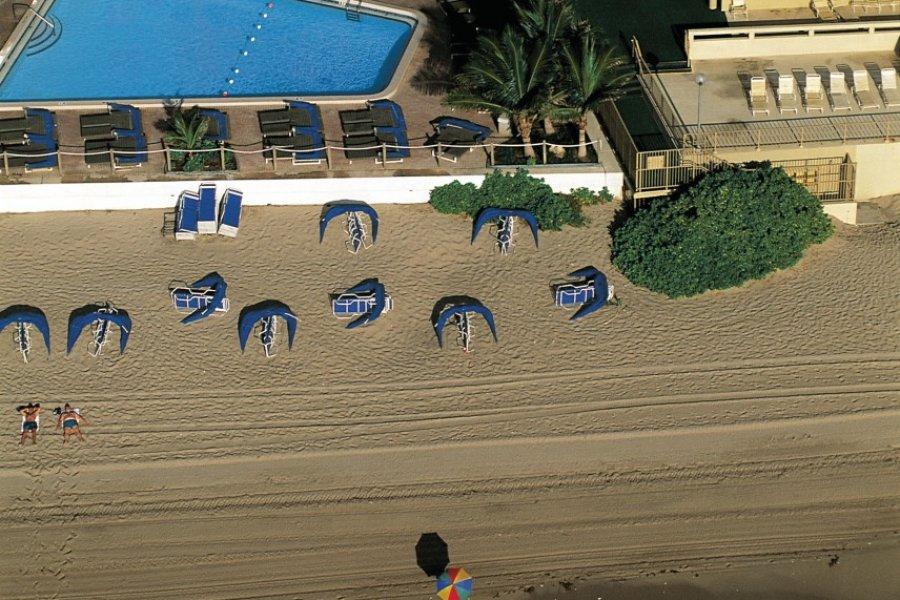Vue aérienne de la plage de Fort Lauderdale. (© Siegfried Stoltzfuss - Iconotec))