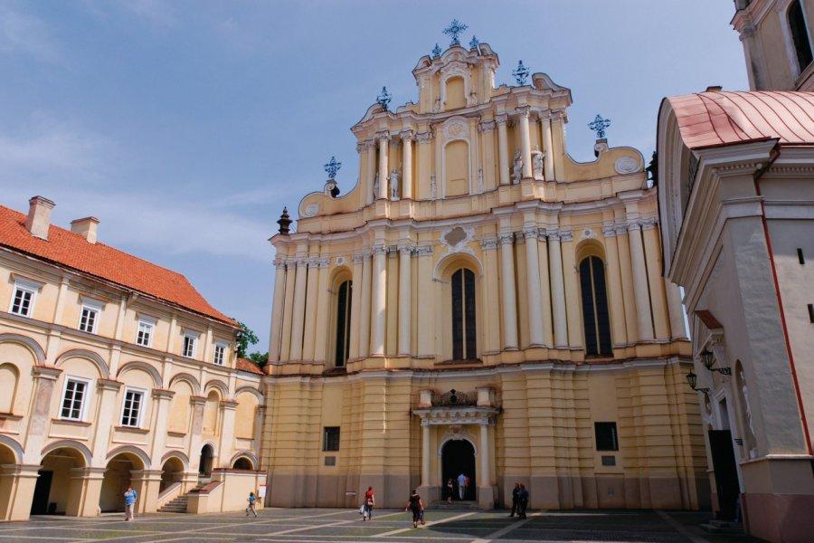 L'Université de Vilnius et l'église Saint-Jean. (© Serge OLIVIER - Author's Image))
