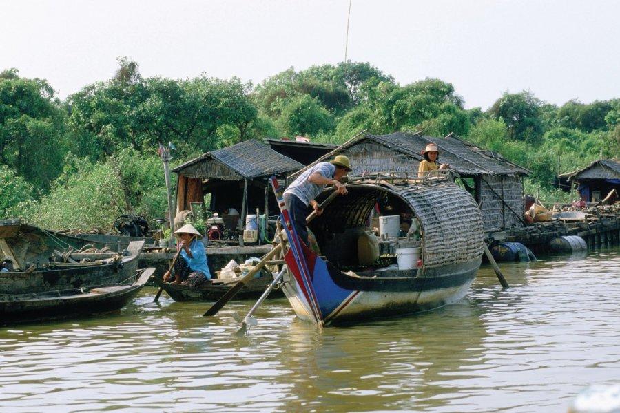 Village lacustre sur le Tonlé Sap. (© S.Nicolas - Iconotec))