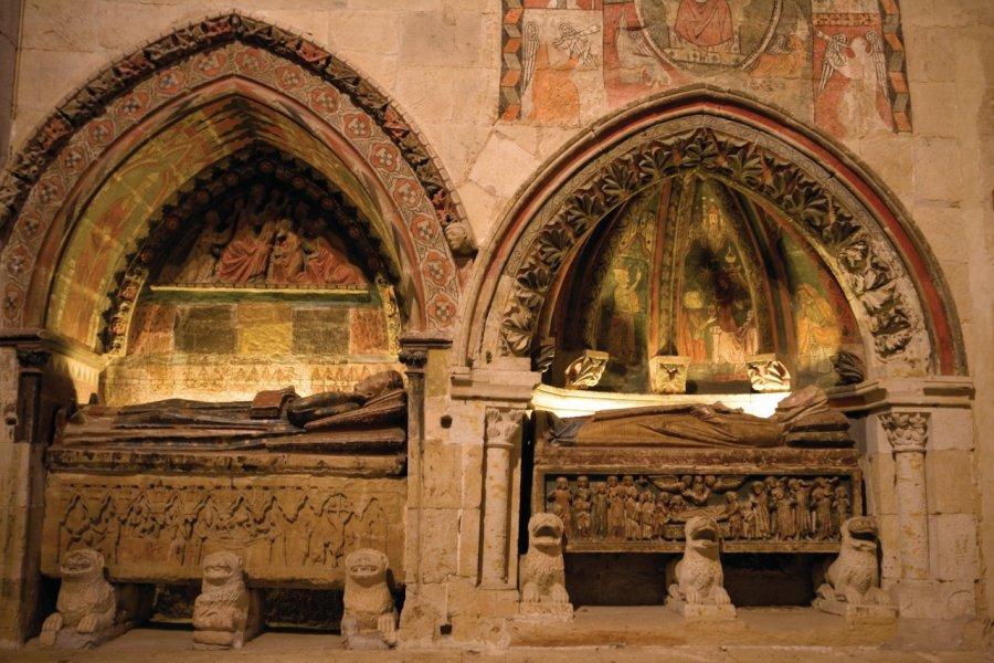 Vieille Cathédrale (Catedral Vieja), enfeu (niche abritant un tombeau). (© Author's Image))