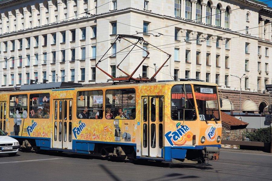 Tramway sur la place Svéta Nedelya. (© Author's Image))