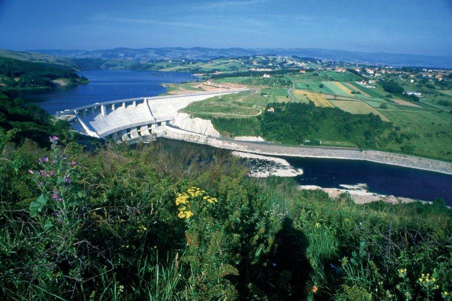 Barrage de Villerest-sur-Loire (© PHOVOIR))