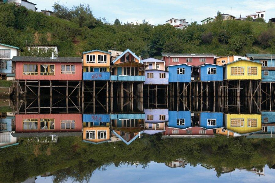 Maisons sur pilotis de l'archipel de Chiloe. (© Roccomontoya - iStockphoto))