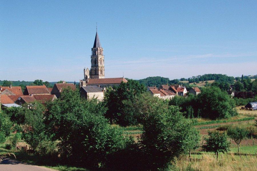 Le clocher de Saint-Père (© PHOVOIR))