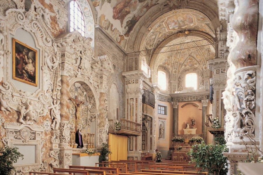 Intérieur de l'église San Mamiliano. (© Apollon - Iconotec))