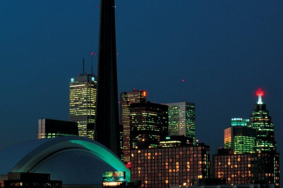 Toronto de nuit. (© Tom Pepeira - Iconotec))
