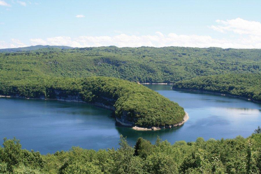 Lac de Vouglans. (© Pixel-68 - iStockphoto))