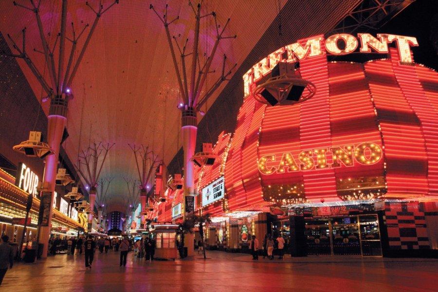 Fremont Street et ses casinos mythiques. (© Stéphan SZEREMETA))