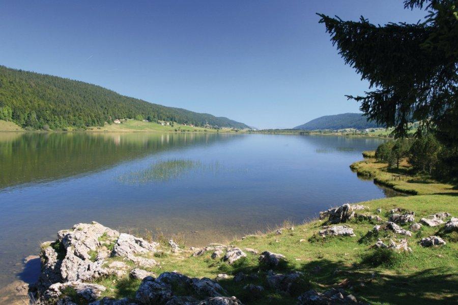 Le lac des Rousses (© Alexis BORG - Fotolia))