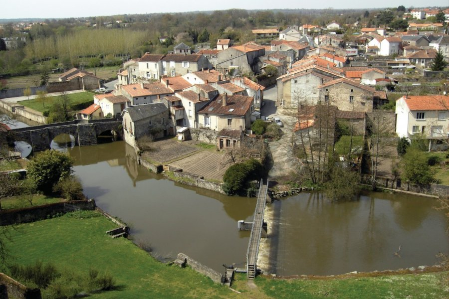 Parthenay vu du château (© Melanieleleu - Fotolia))
