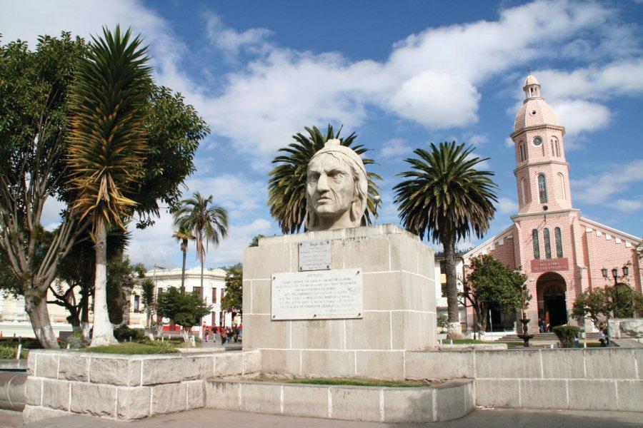 La statue de Rumiñahui orne le parc central d'Otavalo. (© Stéphan SZEREMETA))