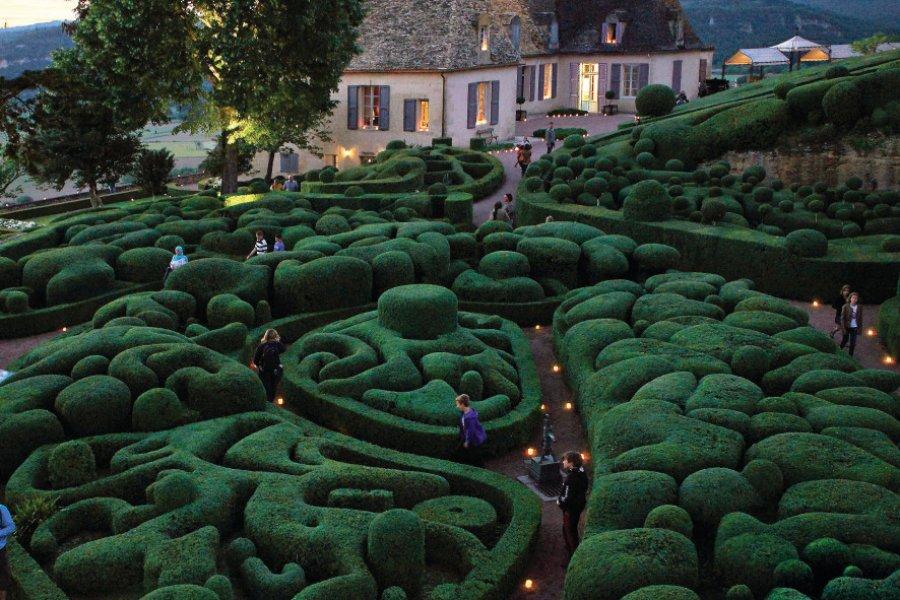 Les jardins suspendus de Marqueyssac lors d'une soirée aux chandelles. (© Laugery))